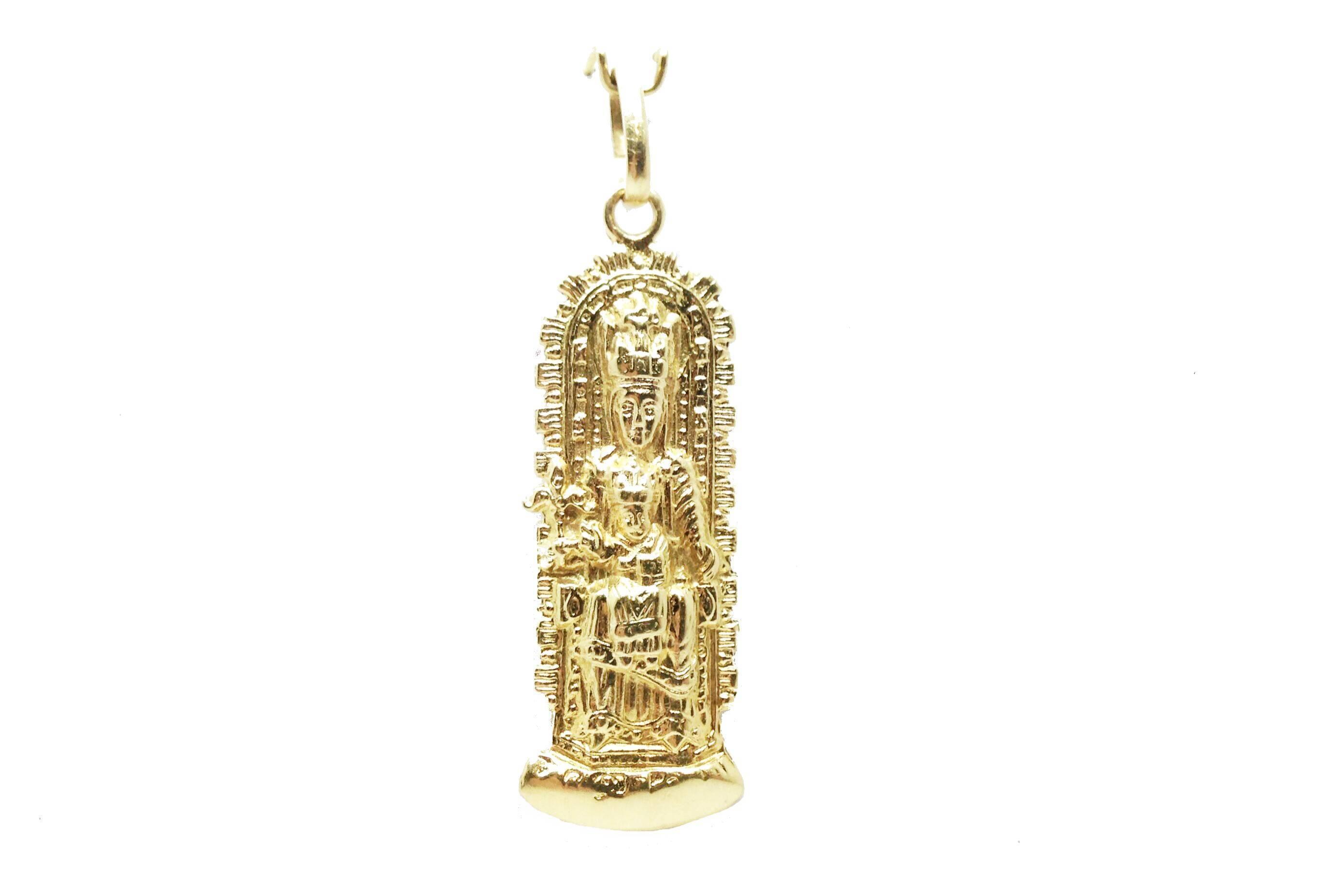 21cd14257f1f Colgante de oro medalla de oro virgen de ujue Joyería Juan Luis Larráyoz  Pamplona joyería online