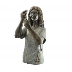 escultura enfermera enfermería auxiliar joyería juan luis larráyoz pamplona