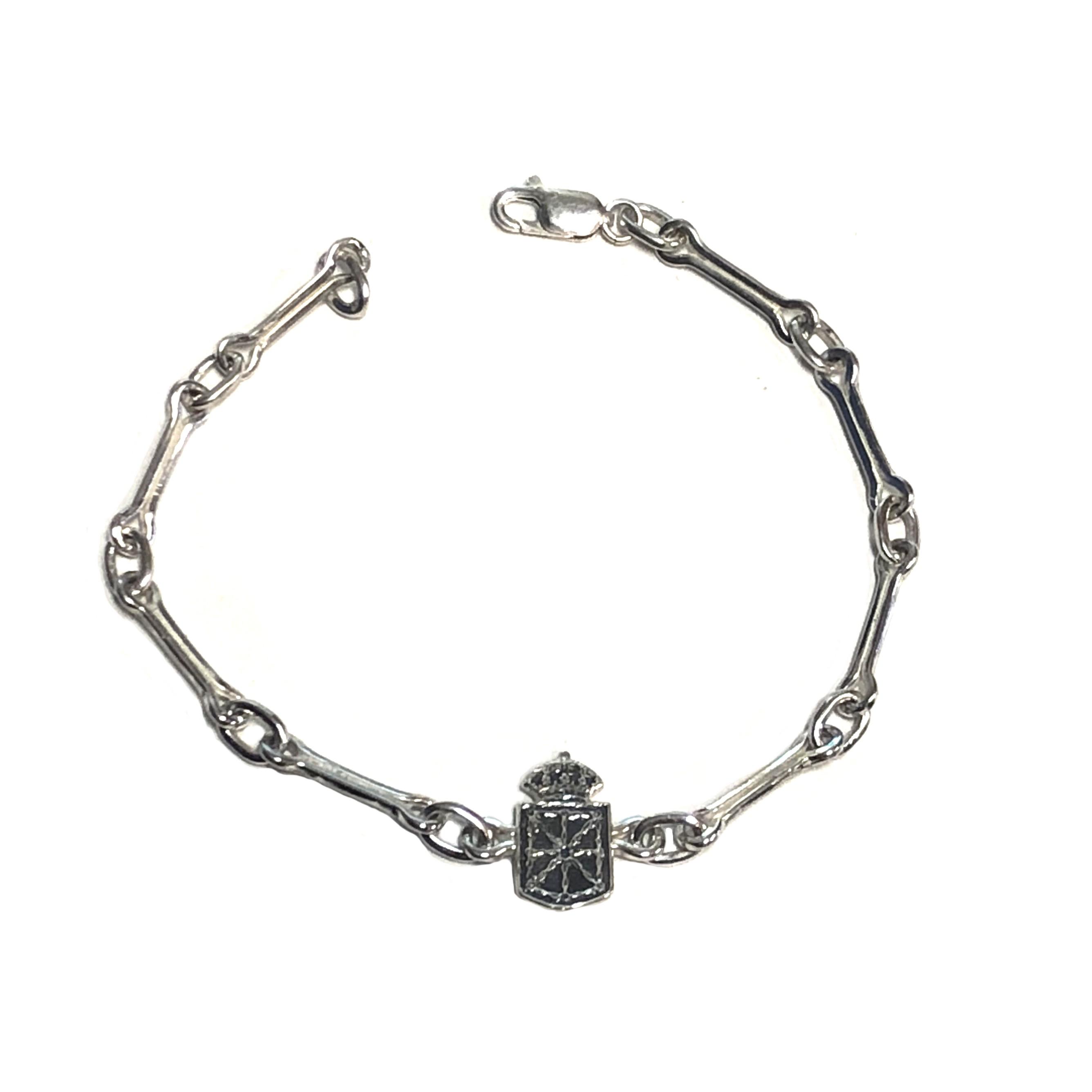 c097c4b1a287 pulsera de plata cadenas de navarra con escudo de navarra joyería juan luis  larráyoz pamplona