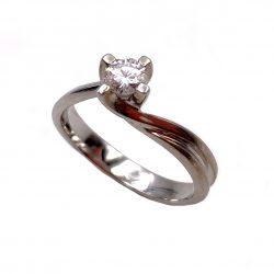 sortija de oro blanco y diamante solitario 0,28k sortijas de compromiso anillo de pedida joyería juan luis larráyoz pamplona