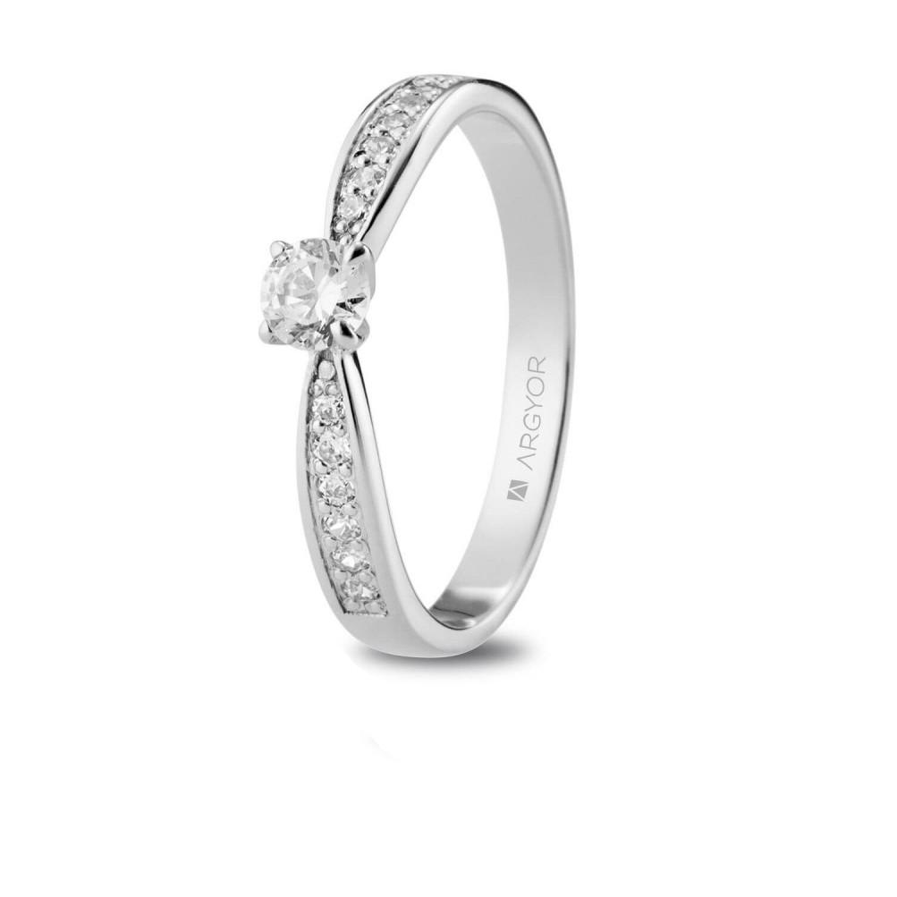 sortijas de compromiso anillos de pedida anillo de compromiso joyería juan luis larráyoz pamplona